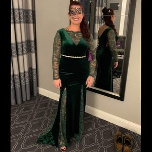 One-Of-A-Kind, Gorgeous Emerald Green Evening Gown